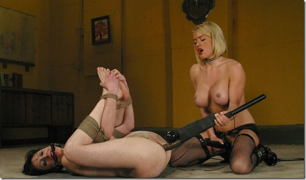 chantas-bitches-rough-pussy-stretching